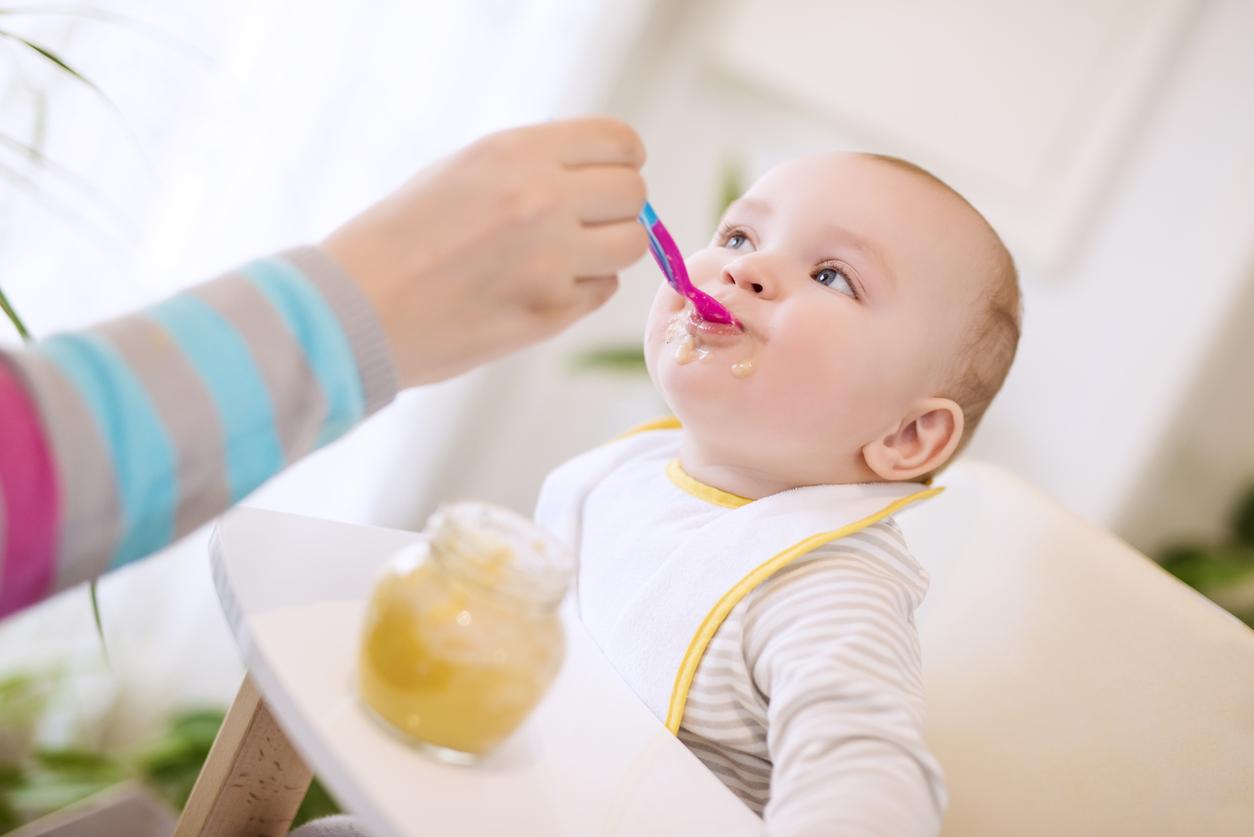 Anne sütünden ek gıdaya geçerken dikkat edilmesi gereken hususlar